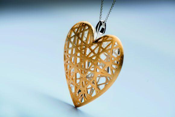 Herz Anhänger Fa. BAstian bei Juwelier Solitaire Lechler Freiburg