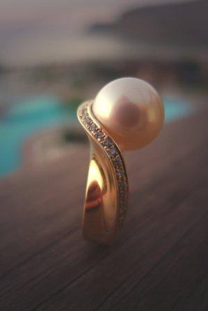 Ring Gelbgold mit Brillanten + Zuchtperle