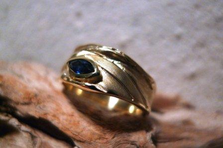 DL Ring Gelbgold blauer Saphir - Navette