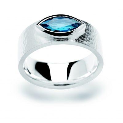 Ring Gelbgold mit blauem Saphir
